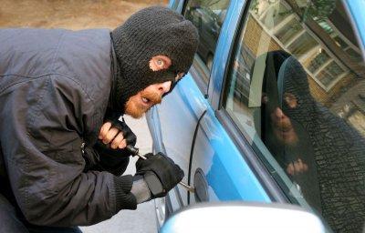 В Москве угнали Land Rover за 3,5 миллиона рублей