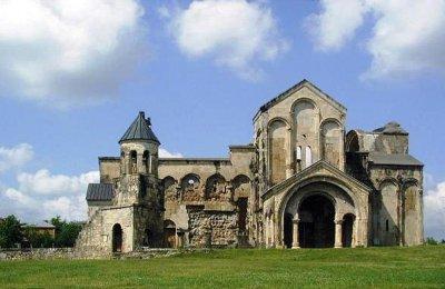 В Великом Новгороде археологи нашли тысячелетнюю крепость