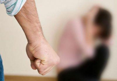 В Гродно мужчина пытал и бил расскаленным утюгом бывшую девушку