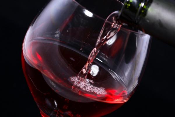 Красное вино поможет в лечении болезни Альцгеймера