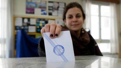 По предварительным данным партия Ципраса лидирует на досрочных выборах в Греции