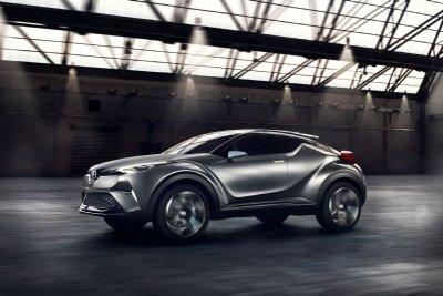 Компания Toyota проводит завершающие тесты кроссовера C-HR