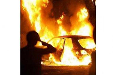 В Екатеринбурге ночью сгорели сразу восемь автомобилей