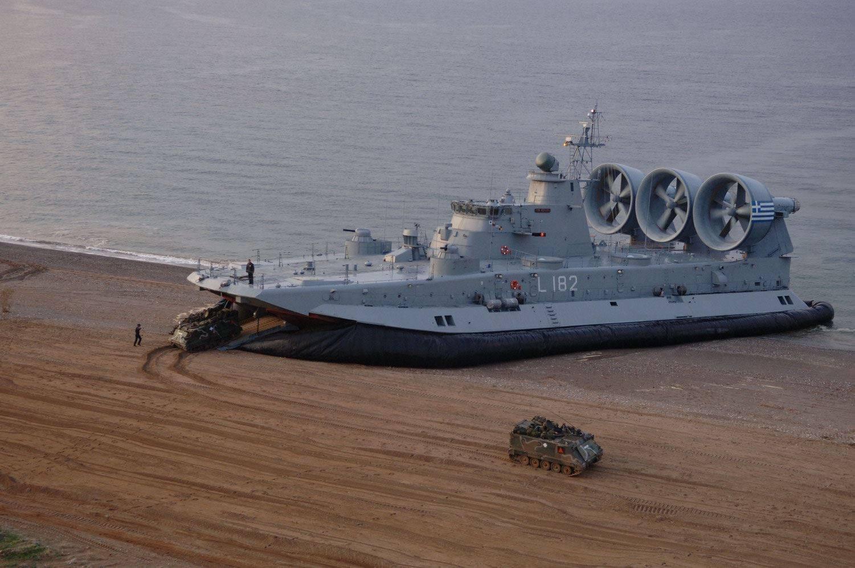фото военные корабли на воздушной подушке позу какой