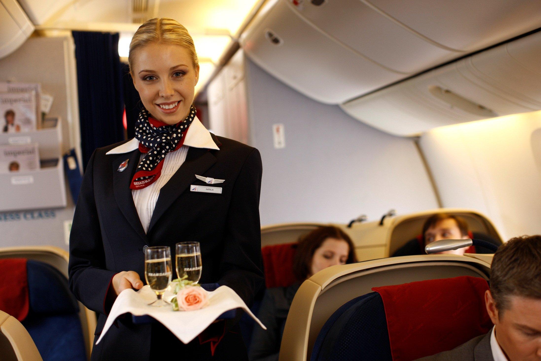 Секс стюардесс на борту самол та