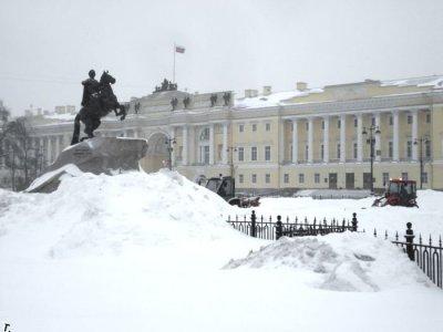 В Санкт-Петербурге выпал первый снег