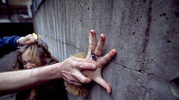 В Балахне двое мужчин изнасиловали девушку в гаражном кооперативе