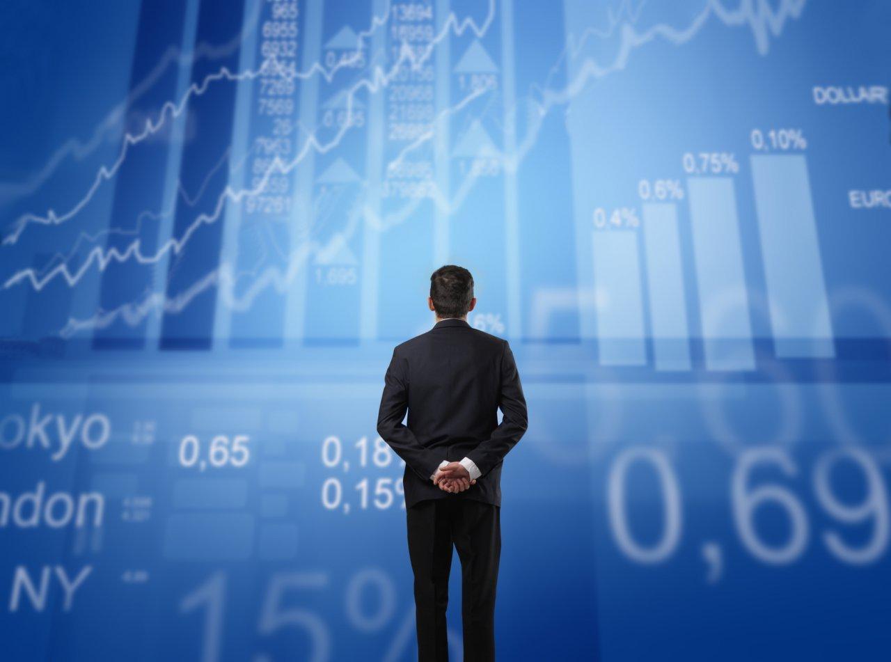Обзор: рынки затихают перед Днем независимости США