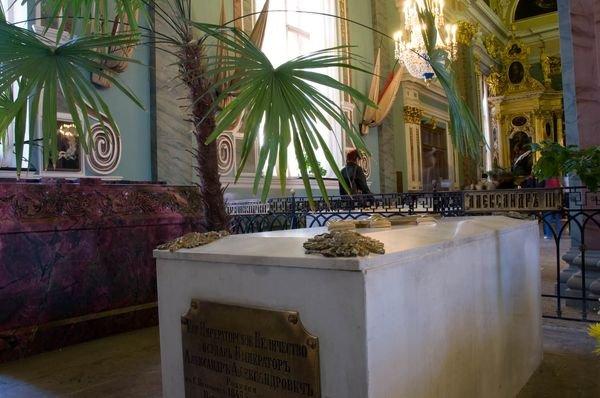 Эксперты вскрыли гробницу александра iii в петербурге