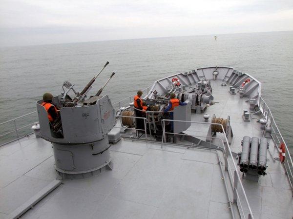 Корабли Каспийской флотилии приступили к боевым учениям