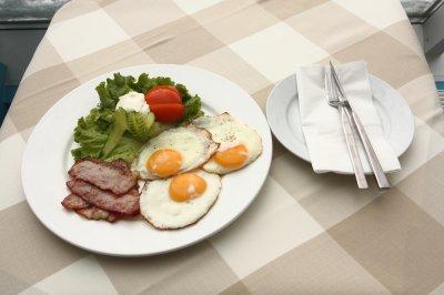 Питание с высоким содержанием жиров стимулирует потерю веса - ученые