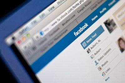 Соцсеть Facebook заблокировала отправку личных сообщений с Gmail-адресами