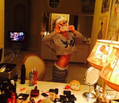 Певица Бритни Спирс похвасталась плоским животом