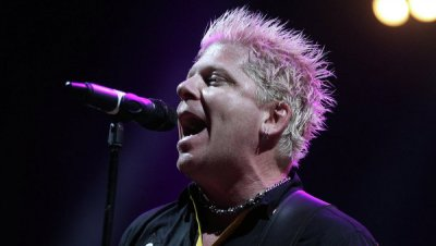 Лидеру группы «The Offspring» исполнилось 50 лет
