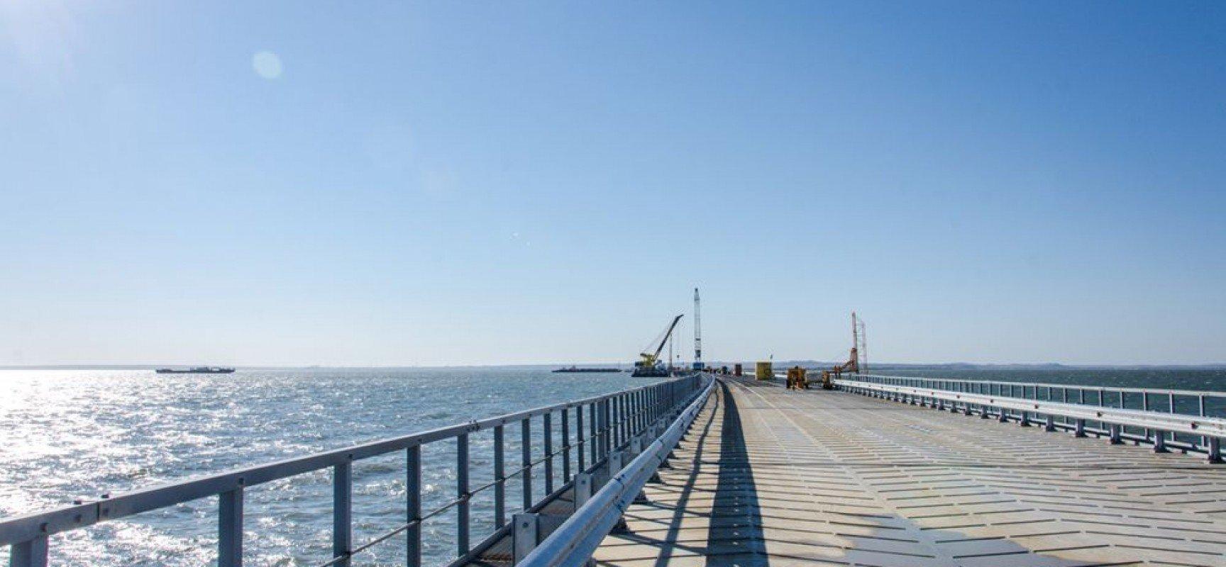 Картинки по запросу керченский мост сегодня