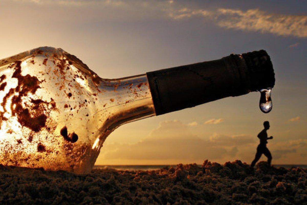Русская рыжая девушка отдает за бутылку водки 21 фотография