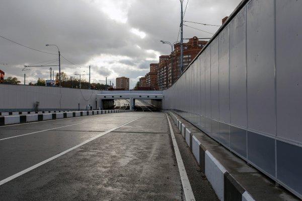 В Москве движение по Волоколамскому тоннелю остановлено из-за погоды