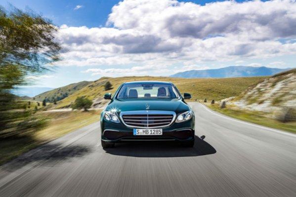 Mercedes-Benz официально презентовала новое поколение седана E-Class