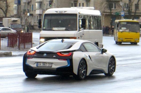 На улицах Киева замечен BMW i8 за 200 тысяч евро