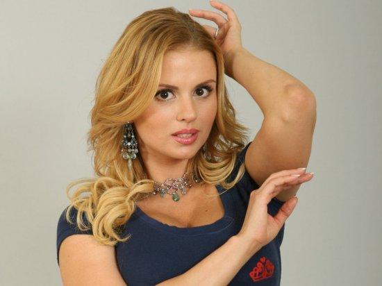 Певица Анна Семенович удивила поклонников фото без макияжа