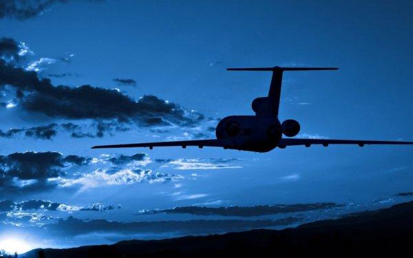 В самолет Airbus 330 с папой римским на борту целились лазером