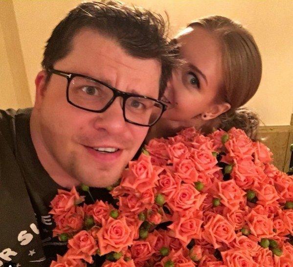 Кристина Асмус поздравила Гарика Харламова с 35-летием публично