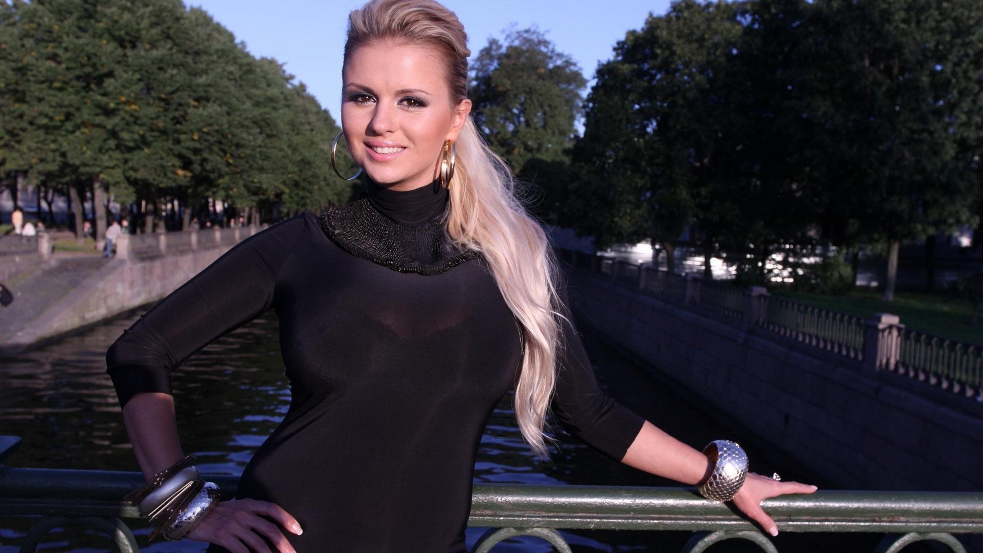 Прически для женщин 35 лет на средние волосы фото