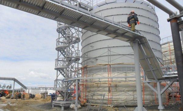 В Ямале при взрыве на нефтяном месторождении погиб один человек