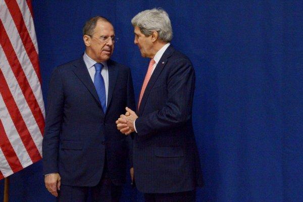 В ходе телефонного разговора Лавров и Керри обсудили ситуацию в САР