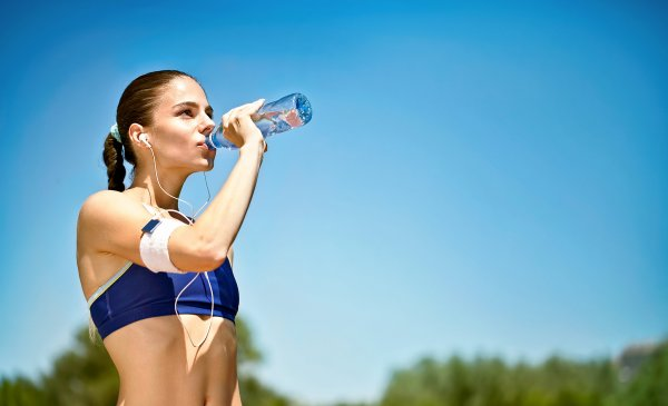 Ученые: Вода на самом деле способствует похудению