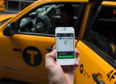 Uber будет предоставлять работу только водителям с лицензиями