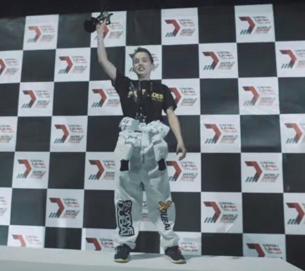 15-летний британец выиграл $  250 тысяч на гонках дронов в Дубае