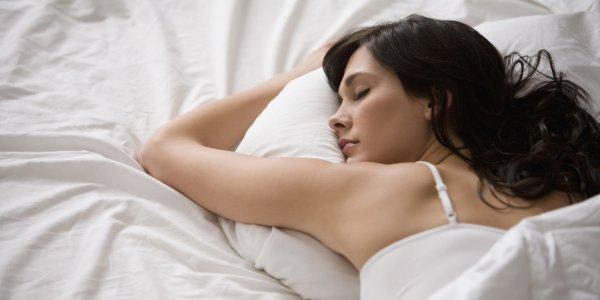 Ученые: Женщины должны спать дольше мужчин