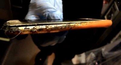 Загоревшийся iPhone чуть не устроил пожар в самолете