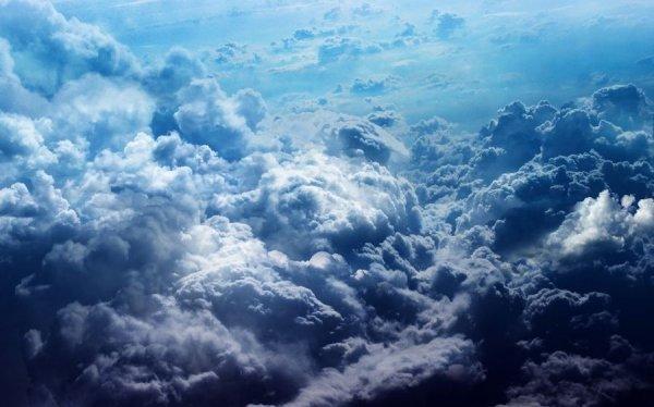 Физики описали процесс рождения облачных капель
