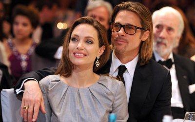 СМИ: Брэд Питт постоянно изменяет Анджелине Джоли