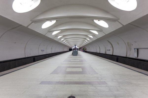 На двух станциях метро Москвы объявлена угроза взрыва