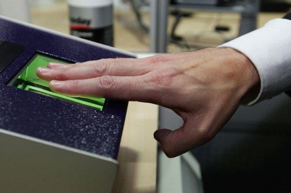 В Японии кредитные карты заменят отпечатками пальцев
