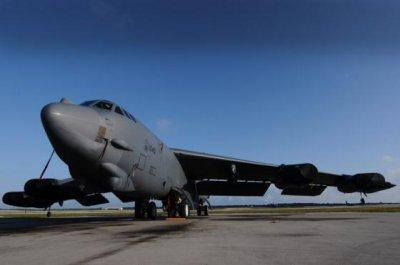 Американский бомбардировщик B-52 прибыл в Катар для борьбы с ИГИЛ