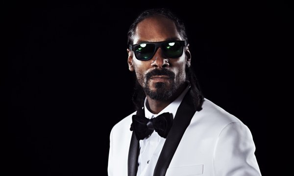 Рэпер Snoop Dogg обвинил Арнольда Шварценеггера в расизме