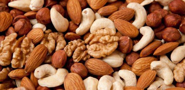 Орехи снижают риск развития рака и диабета