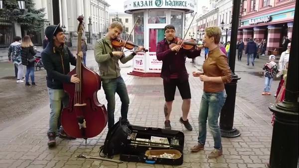 Песня про Путина стала хитом интернета