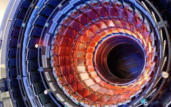 ЦЕРН открыл для всеобщего доступа 300 терабайт данных БАК