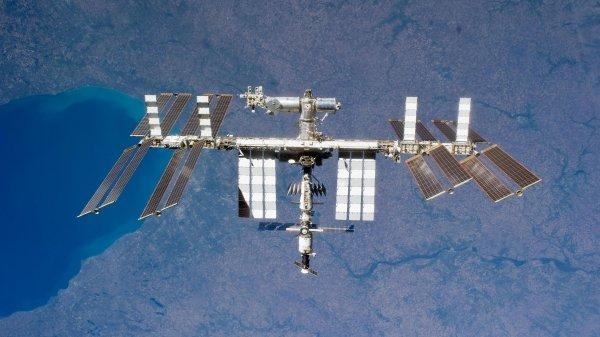 Швед подслушал разговор космонавтов РФ во время сеанса связи с МКС