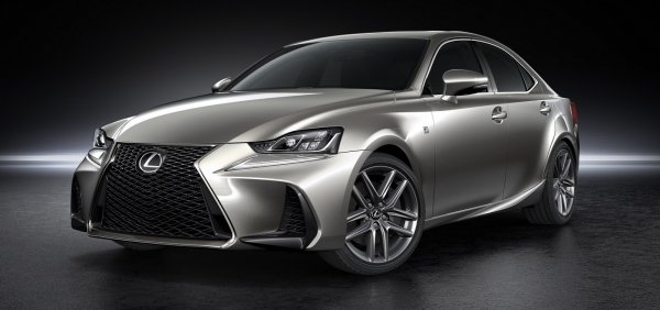 В Пекине представлен обновленный спортивный седан Lexus IS