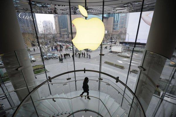 В интернет выложили снимки с завода Apple в Шанхае