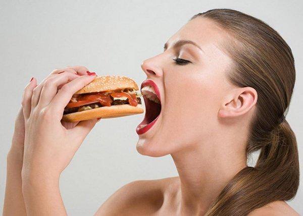 Ученые: Жирная пища провоцирует истощение мозга