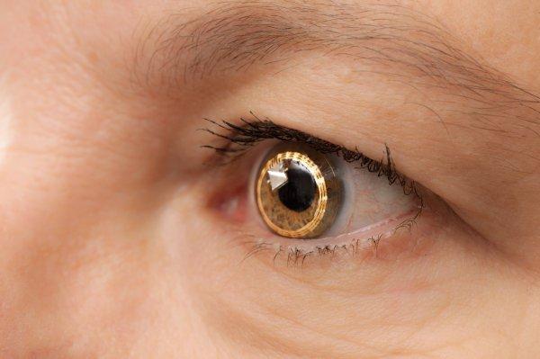 Google запатентовала установку электронной линзы в человеческий глаз