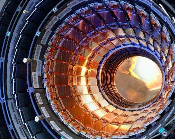 Ученые из Новосибирска изготовили генератор для коллайдера за миллион евро