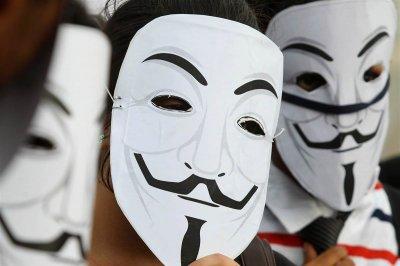 Хакеры Anonymous устроили атаку на ЦБ мира